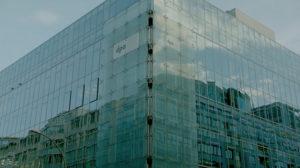Die dpa von außen. Goßes Glasgebäude